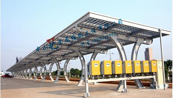 太阳能钢结构车棚